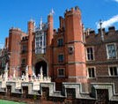 Private Tour: Hampton Court Palace Walking Tour with Historian Guide