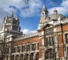 Private Tour: London Walking Tour of Apsley House and the Victoria and Albert Museum